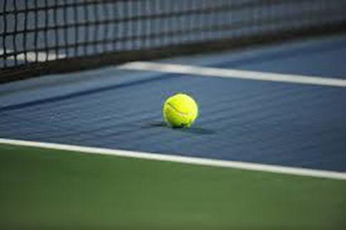 テニス大会トイレ94 4名収録!あのコンドーム娘がアソコを濡らして再登場!